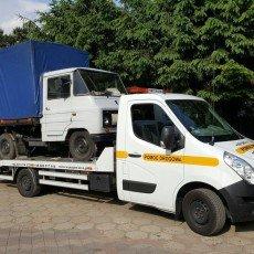 transport samochodu dostawczego ŻUK na autolawecie Renault Master
