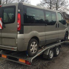transport Renault Trafic Passenger na lawecie