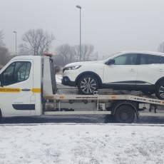 Przewóz nowego Renault Kadjar do Klienta na autolawecie Renault Master